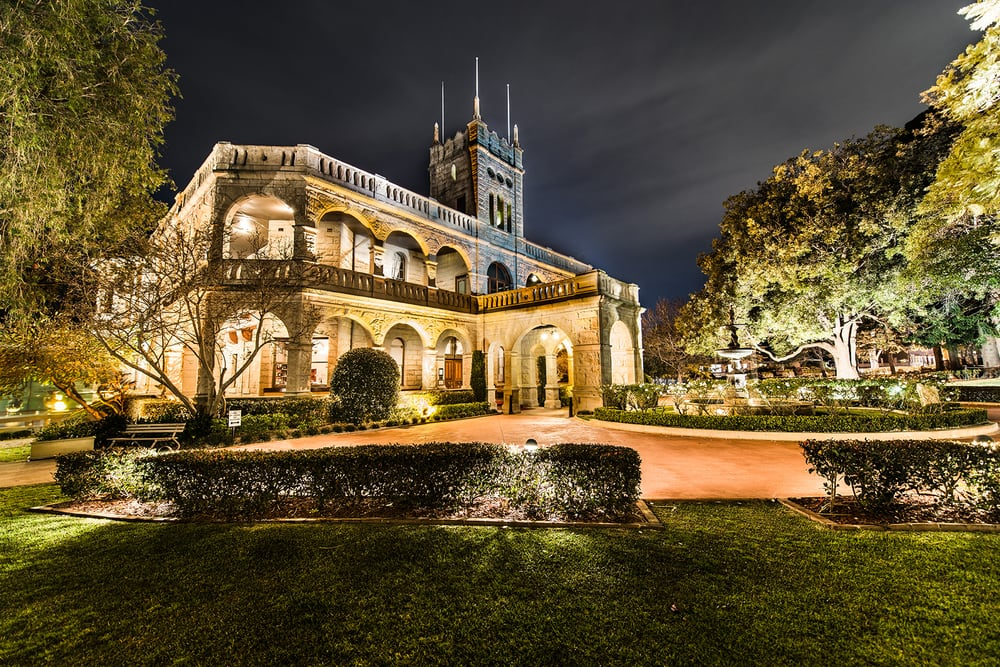 Best wedding venues in sydney sydney cafes photographer ronny hendriks has seen the best and shot the best from his widespread experience heres his list of the 10 best wedding venues in sydney junglespirit Images