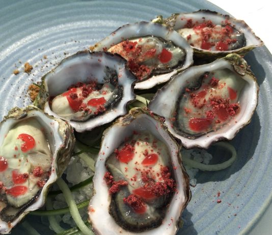 seafood restaurants sydney oysters aqua dining